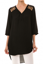 High Low 3/4 Sleeve Embroidered Tunic Top